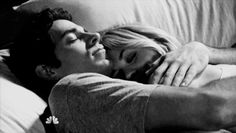 hug bed gif tumblr - Szukaj w Google