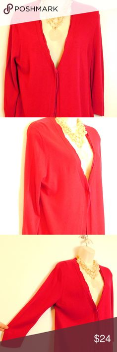 "Coldwater Creek Red 3/4 Sleeve Cardigan Sweater M ""Coldwater Creek"" 3/4 sleeve v-neckline cardigan great to layer with holiday dresses and outfits. GUC very good pre-owned condition, no flaws just minimal piling under arms Size Medium M(10/12) Color:  True Red Length 22"", Bust 18.5"" across front  3/4 sleeves Deep v-neckline with single snap front closure Satin placket trim detail Comes with additional replacement snap  Fabric & Care 60% viscose, 35% polyester, 5% wool Machine wash, lay flat…"