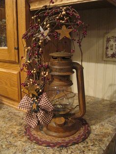 I am going to do this to my old lanterns! Primitive Homes, Primitive Crafts, Primitive Christmas, Country Primitive, Rustic Christmas, Primitive Bedroom, Primitive Snowmen, Primitive Antiques, Old Lanterns