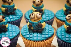 Sweet Cucas and Cupcakes by Rosângela Rolim: Cupcakes e Alfajores dos Minions