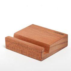 Dock madera Nooem ETIMOE para iPhone 4/4S en Los Panda | lospanda.com