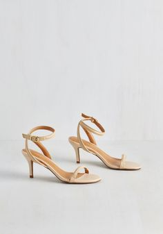 Wow We're Talkin' Heel in Ecru. Its no secret that these taupe heels by Report Signature are universally adored! #tan #wedding #modcloth