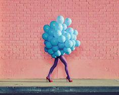 Ramona Rosales, Je Ne Suis Pas Seul Sans Toi (Blue Balloons), 2013, De Soto Gallery