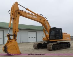 2004 Hyundai 290H excavator | Item K1304 selling at Thursday March 31 Construction Equipment Auction | Purple Wave, Inc.