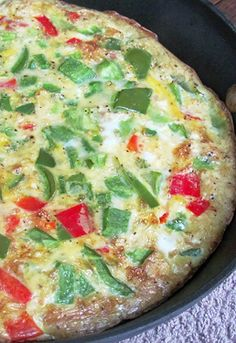 This LOW CALORIE and LOW FAT Skinny Mom, Skinny Pepper and Onion Frittata will be a huge hit to your family! 115 calories per serving. No Calorie Foods, Low Calorie Recipes, Healthy Recipes, Healthy Cooking, Healthy Eating, Healthy Food, Good Food, Yummy Food, Skinny Mom