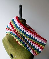 Ravelry: Easy Peasy Cheery Granny Crochet Cowl pattern by Bee & Buzz
