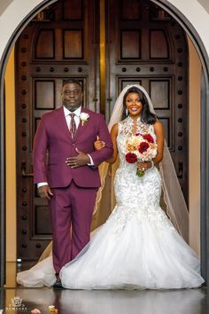 Neesha and Montrel's Chic and Lux Texas Wedding at the Piazza Wedding Beauty, Dream Wedding, Father Daughter Photos, Bride Groom Poses, Celebrity Wedding Photos, Black Bride, Bridal And Formal, Brides And Bridesmaids, Wedding Photoshoot