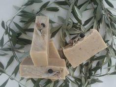 Χειροποίητα σαπούνια-Κεραλοιφές                                            Λαοδάμεια: σαπούνι με  αγριοκρεμμύδα και βότανα