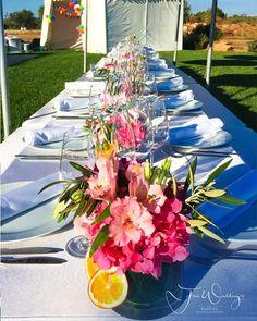 Wait to be seated  on this lovely summer table #poolparty #fineweddings #summer #setup #partyplaner #partyplanner #geburtstagsparty #langetafel #tischdeko#tischdekoration #instainspo #dekoration #hochzeitsplaner#hochzeitsplanerhamburg #hochzeitsplanermallorca #mallorca #mallorca2016 #braut2017
