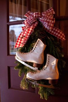 Vintage Ice Skate Wreath for Front Door   Holiday Decor