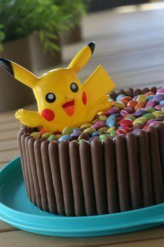 Bolo Pikachu, Pikachu Cake, Pokemon Birthday Cake, Pokemon Party, Pokemon Cakes, Birthday Cakes, 6th Birthday Parties, 8th Birthday, Birthday Ideas