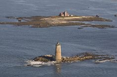 Whaleback Lighthouse and the Wood Island Lifesaving Station, near Kittery, Maine | Flickr – Compartilhamento de fotos!