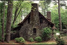 WoW!  What a gorgeous cottage in a gorgeous setting.  A New England Rock House