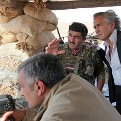 """Bernard Henri Levy: """"Les peshmergas n'aiment pas la guerre"""""""