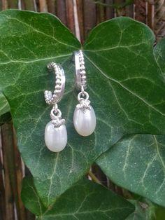 Idylliz. Earrings Pearl Flower Silver.