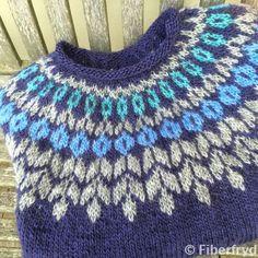 Bilderesultat for lett lopi opskrift gratis Sweater Knitting Patterns, Knitting Designs, Knit Patterns, Knitting Projects, Knitting For Kids, Free Knitting, Baby Knitting, Norwegian Knitting, Fair Isles