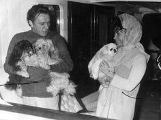 Elizabeth Taylor, Richard Burton and their doggies