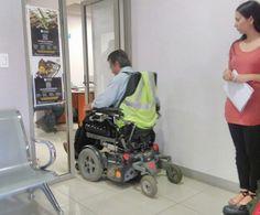 Colabora Grupos Vulnerables en revisión de accesibilidad para personas con discapacidad en las oficinas municipales