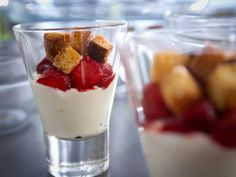 Ricotta au miel, fraises confites, croûtons de brioche #dessert