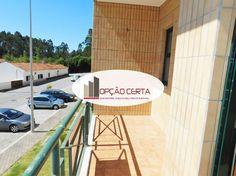 Prestação desde 201€/Mês.Apartamento situado em Grijó, Vila Nova de Gaia, a 5minutos do Nó da A1, de 2002, com 97m2 de área coberta, lugar de garagem, composto por sala com varanda e recuperador de calor, cozinha com lavandaria, hall, 2 quartos com roupeiros (sendo 1 suite), 2Wcs completos, despensa. Piso em flutuante, vidros duplos, porta de segurança.Zona Sossegada OPORTUNIDADE - ÓTIMA LOCALIZAÇÃO – BOAS ACESSIBILIDADES TRATAMOS DA APROVAÇÃO DE CRÉDITO HABITAÇÃO, SEM CUSTOS E COM SPREAD…