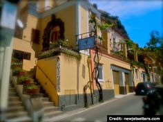 "BrowsingItaly.com » ""Show and Tell"": Positano, Amalfi Coast - Walk through town"
