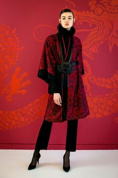 See the complete Josie Natori Fall 2017 Ready-to-Wear collection.
