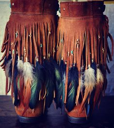 Upcycled Fringe Moccasin Boots. These are so AWESOME. I love it