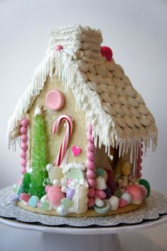 to get your imagination sparking to create a fanciful, simple, no bake, or sem-homemade holiday candy house this Christmas! Cool Gingerbread Houses, Christmas Gingerbread House, Gingerbread Cookies, Gingerbread Dough, Gingerbread Crafts, Christmas Goodies, Christmas Baking, Christmas Time, Christmas Crafts