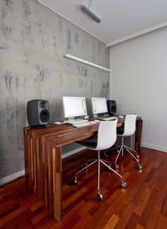 A Side by Side Home Office Table For Two Roommarks   Apartment Therapy
