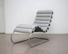 """Sillón """"Mr"""" presentada en 1927, diseño de Ludwig Mies Van Der Rohe. Los apoyabrazos son opcionales."""
