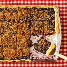 This Blueberry-Crumble Slab Pie is filled with fresh fruit flavor! See more luscious fruit-filled bars & squares: http://www.bhg.com/recipes/desserts/chocolate/brownies-and-bars/fruit-bars/?socsrc=bhgpin052913blueberrycrumble=6