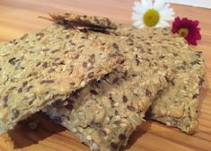 Roggenweckerl mit Sauerteig - Backen mit Christina Healthy Snacks, Healthy Recipes, Bread Baking, No Bake Cake, Crackers, Deserts, Clean Eating, Brunch, Food And Drink