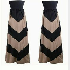 "Black & Beige Khaki Chevron Maxi Dress Small & Med Black & tan chevron maxi dress, still brand new (without tags). It is full length & stretchy. I have small & medium available, so instead of buying this dress, let me know which size you would like & i will create a listing for you. Small: Bust: 24-28"" length: 46"", Medium: Bust: 28-32"" length 47"".   I give great discounts (the more you buy, the more you save)!! I have lots of $1 add on items.  Everything is negotiable,  especially in…"