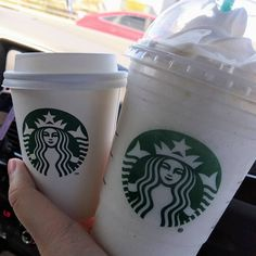 Vanilla Bean Frappe, Vanilla Frappuccino, Starbucks Vanilla, Vanilla Bean Powder, Starbucks Recipes, Ice Cream 1, Vanilla Bean Ice Cream, Fun And Easy Diys, Hot Coffee