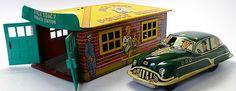 1950 Marx RARE Dick Tracy Tin Litho Police Station and Tracy Friction Car