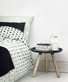 Grafisk og indbydende sengetøj fra Normann Copenhagen. Cube sengetøjet er designet af Anne Lehmann