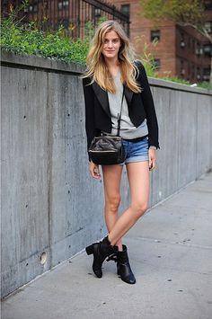 4 Cool Ways To Wear Your Old Gray Sweatshirt This Spring