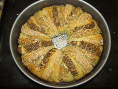 ADAMADE: ZTROUBYVEN č.7 - česnekový věnec Apple Pie, Desserts, Recipes, Food, Tailgate Desserts, Deserts, Recipies, Essen, Postres