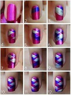 Uñas coloridas, encuentra más tutoriales de uñas aquí...http://www.1001consejos.com/tutoriales-de-unas/
