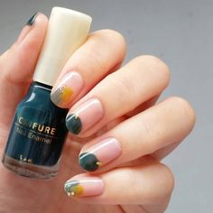Extend fashion to your fingernails using nail art designs. Used by fashion-forward celebrities, these types of nail designs will incorporate instant elegance to your wardrobe. Simple Nail Designs, Nail Art Designs, Nails Design, Design Art, Hair And Nails, My Nails, Self Nail, Natural Gel Nails, Gel Nails At Home
