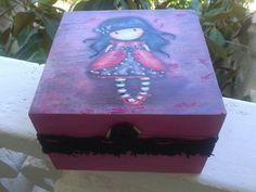 Caja de madera decorada
