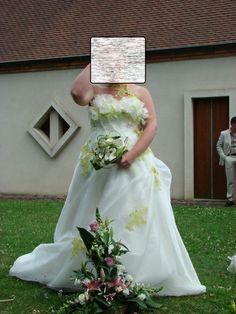 Robe Annie Couture  Ivoire et Verte  - robes mariée occasion originales pas cher - Annonces gratuites de robes de mariée pas cher et costume...