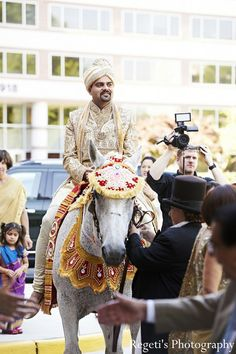 baraat http://maharaniweddings.com/gallery/photo/16812