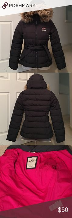 Hollister coat w/ removable fur Sz Small. Hood is not removable but fur is. 4th pic shows small faint spot which is on top of hood so don't see when hood is up or down. Otherwise Coat is excellent condition. Has belt. Very warm. Just little tight in chest for me. Deep gray color Hollister Jackets & Coats Puffers