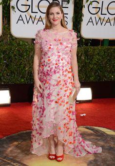 Drew Barrymore sieht eher aus als würde sie auf eine Gartenparty gehen. Luftig und süß wie immer aber bitte doch nicht bei den Globes!