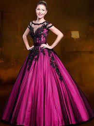 Resultado de imagem para ideias de vestidos de 15 anos preto