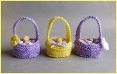 I love writing patterns that are simple to knit .............. but cute too! Hope you all like my latest little bit of fun.   ...