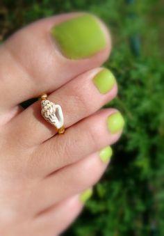 Shell Toe Ring: Treasure of the Tides Shell Bead Toe Ring