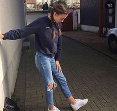 41 Cute Sporty Outfits for School You Must Try – Daily Fashion Cute Outfits For School, Cute Comfy Outfits, Outfits For Teens, Back To School Outfits Highschool, Outifts For School, Back To School Clothes, Winter School Outfits, School Appropriate Outfits, Lazy School Outfit