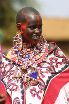 Afrocentric (African Centered)Weddings: Don't Be Slaves to Arab and European Cultures on Your Wedding Day Honor Your African Roots African Tribes, African Women, We Are The World, People Of The World, Tribu Masai, Maasai People, Beauty Around The World, Black Bride, Ethnic Dress